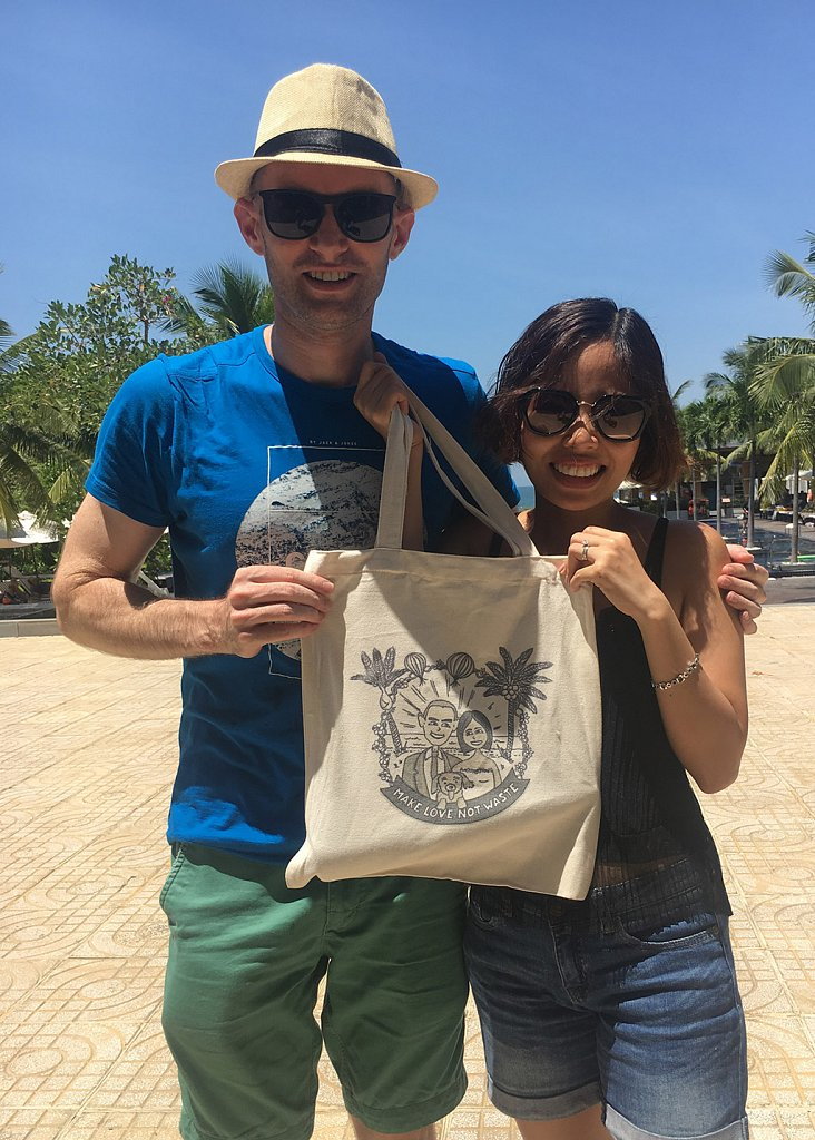Matt-and-Chi-tote-bag-photo-IMG-7627-16-9.jpg